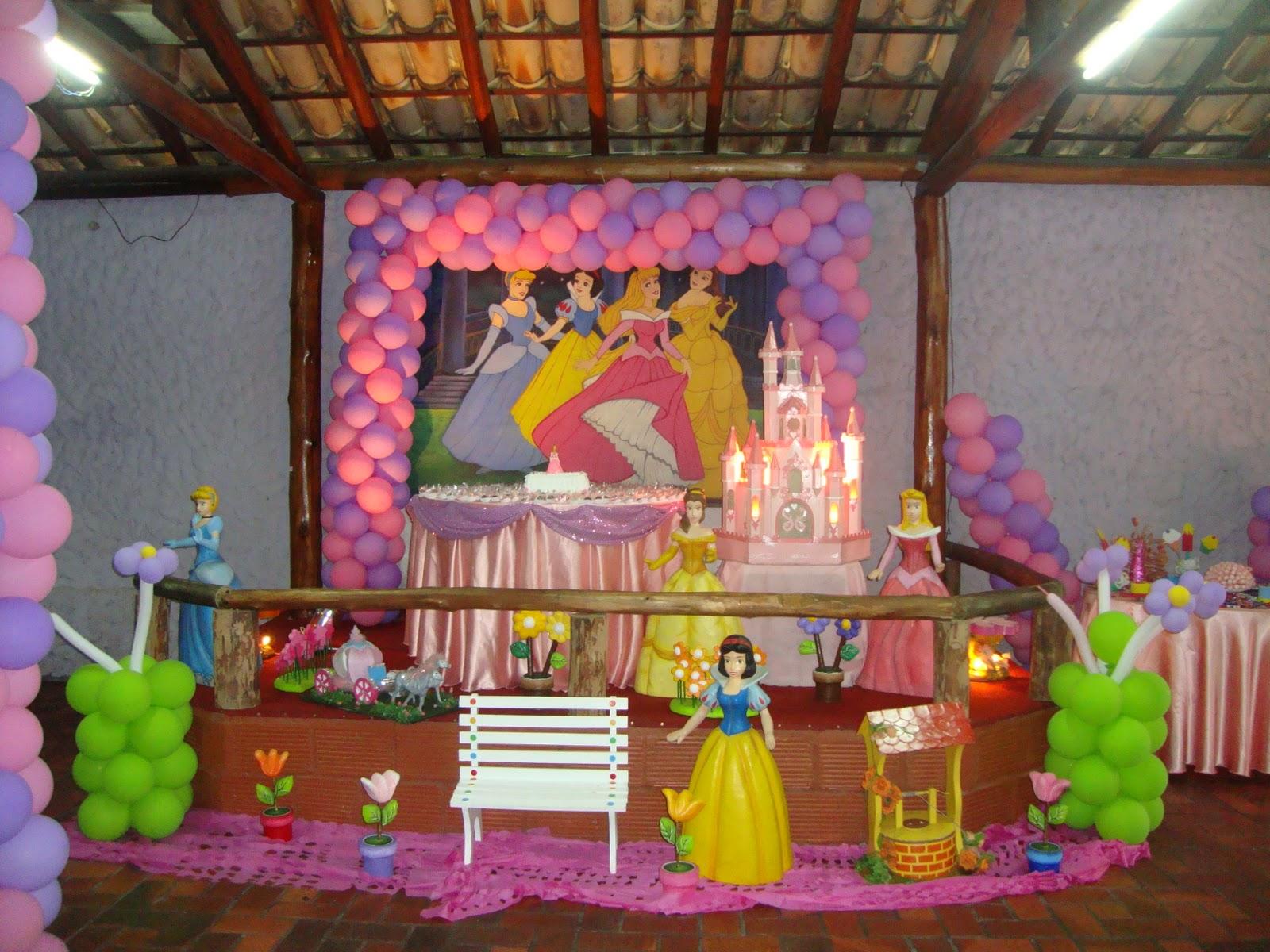 http://3.bp.blogspot.com/_XLIuhncTfGk/TMf_7R4TuwI/AAAAAAAAAAM/JGFbWPtlYfU/s1600/Niver+04+Anos+-+Princesas+022.jpg