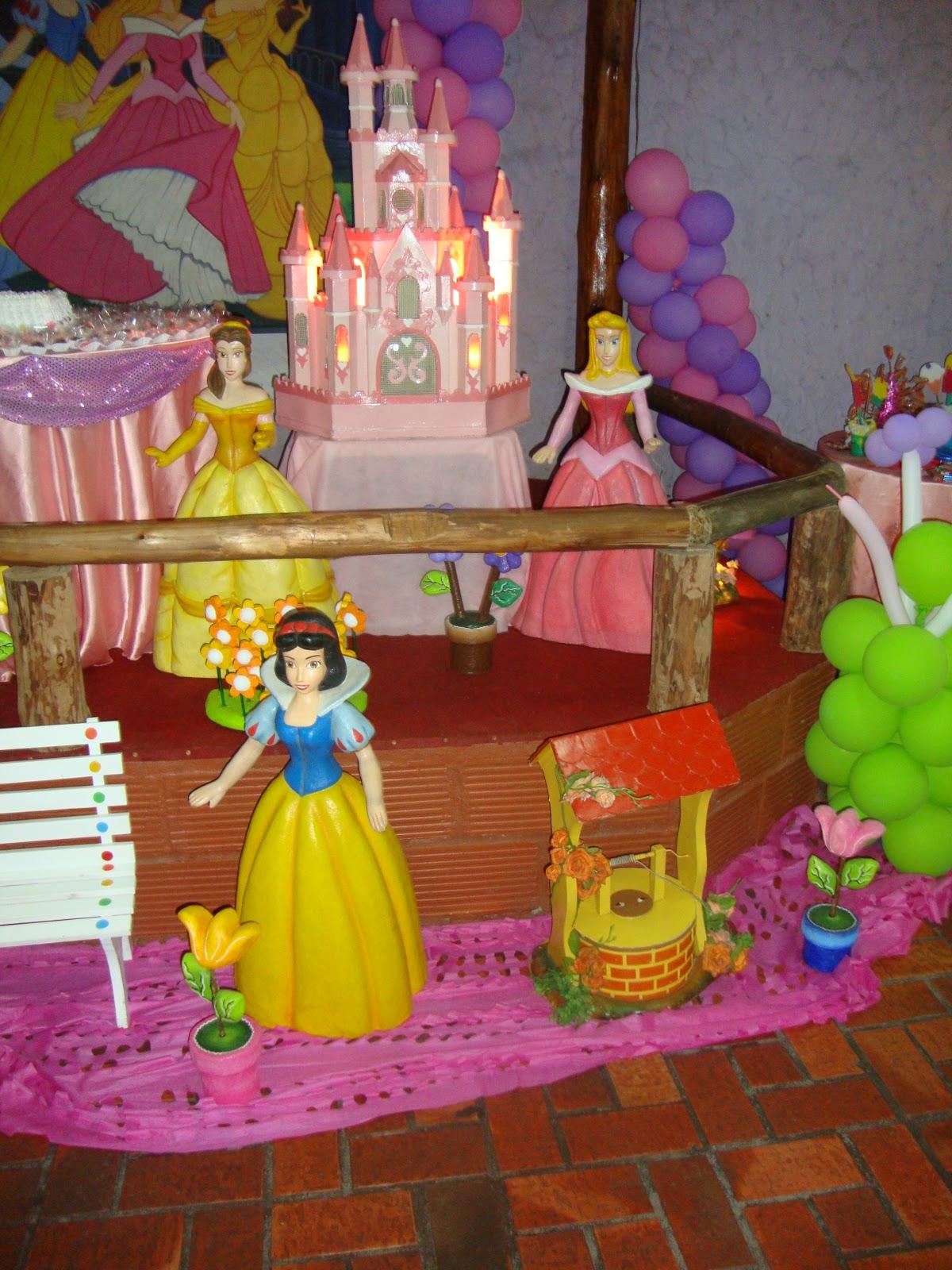 http://3.bp.blogspot.com/_XLIuhncTfGk/TMgA3yotZ_I/AAAAAAAAAAU/qdjJRB03Veg/s1600/Niver+04+Anos+-+Princesas+005.jpg