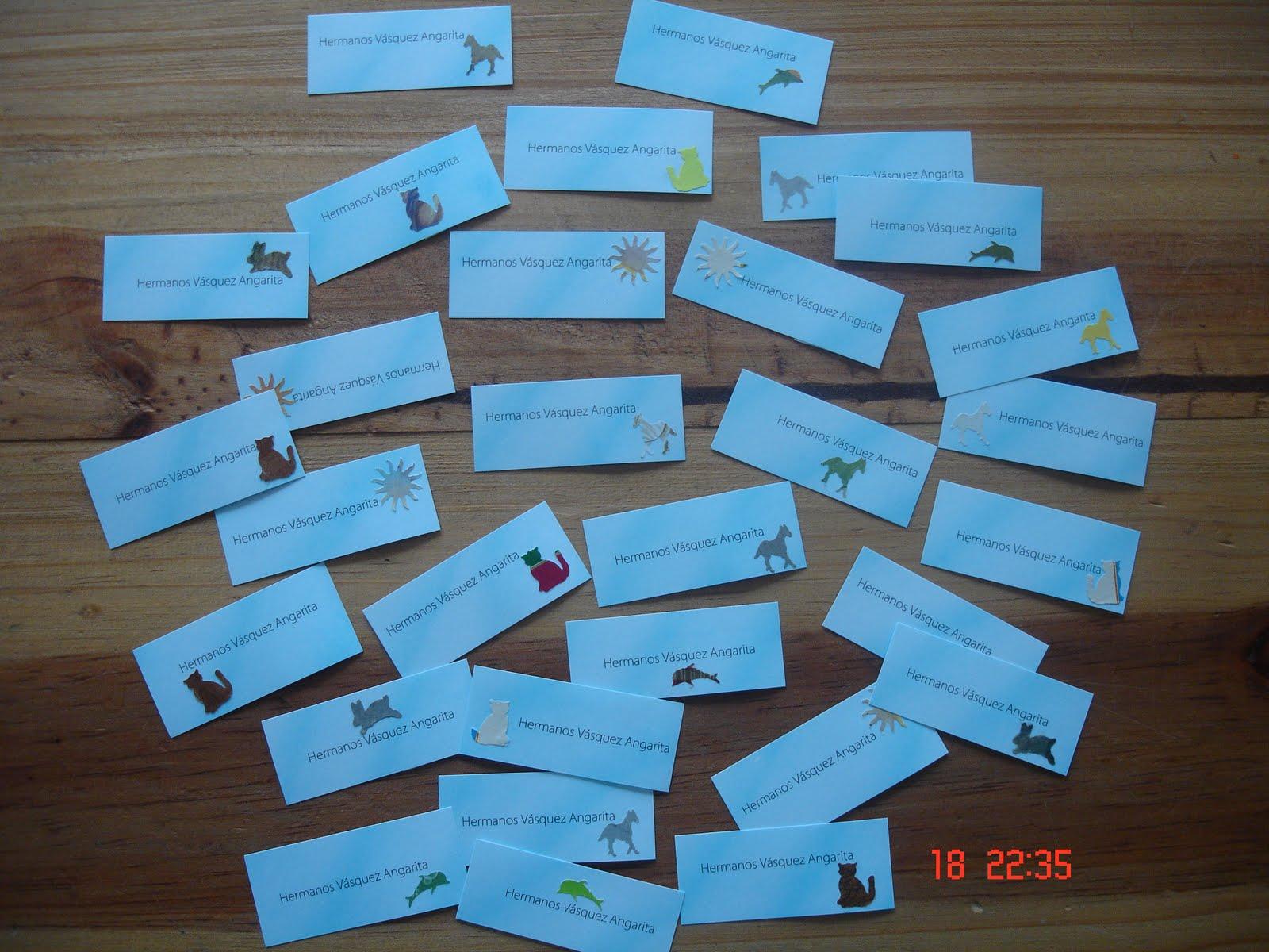 ... ,entreguen sus regalos,esto irán con sus tarjetas personalizadas