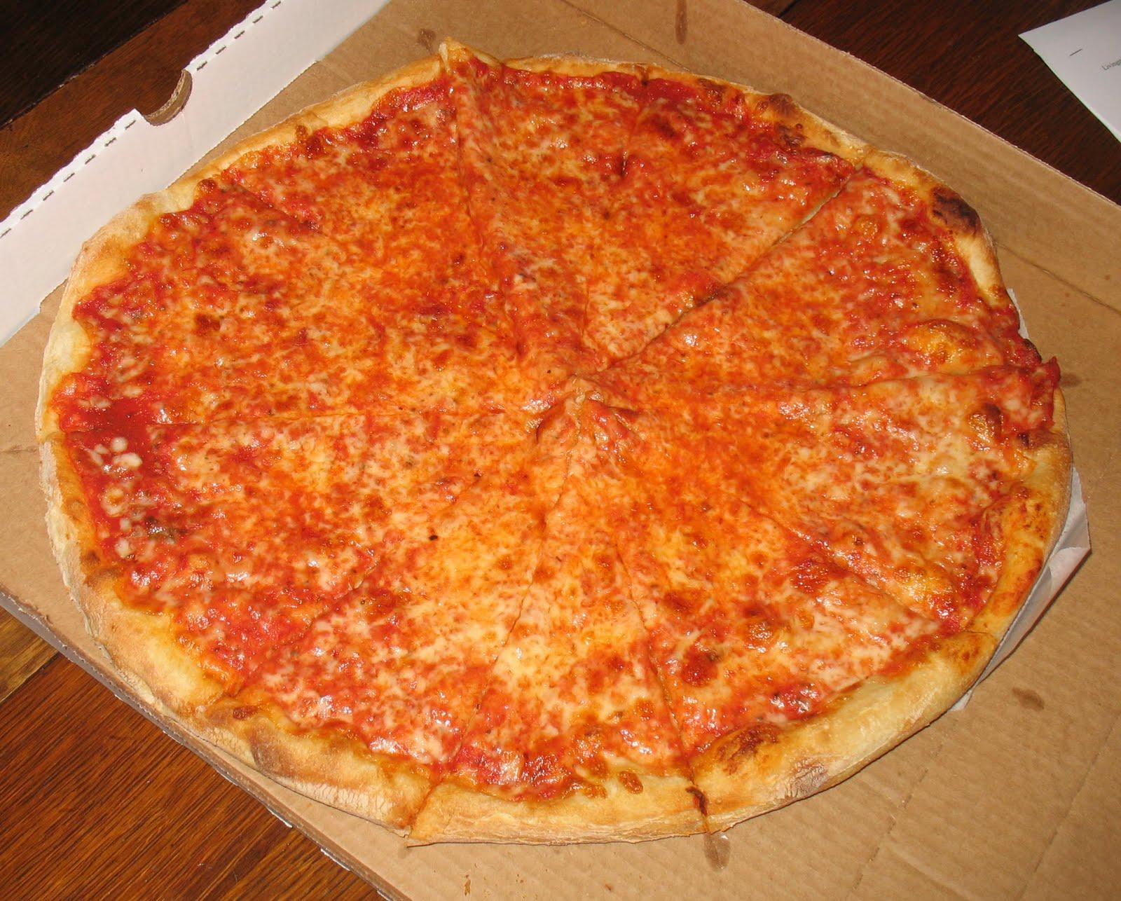 The Rochester NY Pizza Blog: Pizza Chef, Fairport: NY style pie