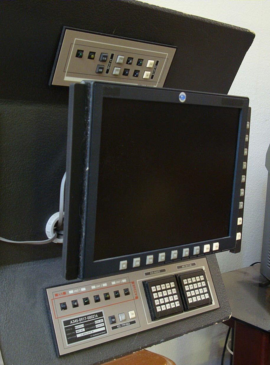 Star trek prop costume auction authority star trek enterprise nx 01 bridge tactical systems - Star trek online console ...