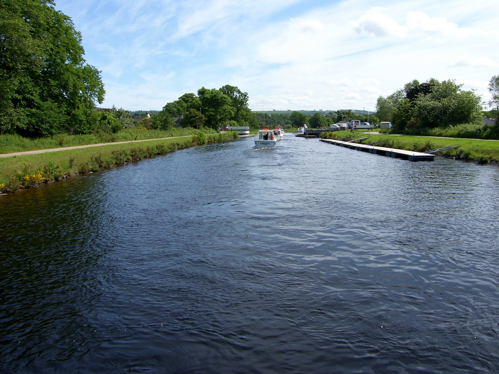 Cottages scotland caledonian canal leaving inverness scotland for The caledonia