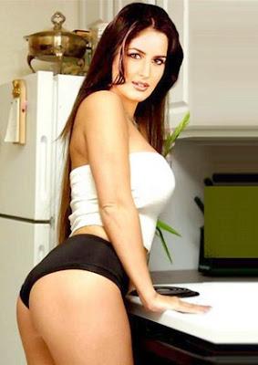 katrina-is-twice-as-sexy.jpg (300×424)