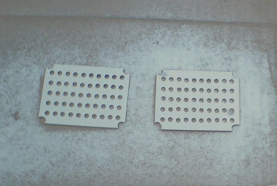 untuk pantulan cahaya LED. yang sebelumnya PCB telah dilubangi dengan