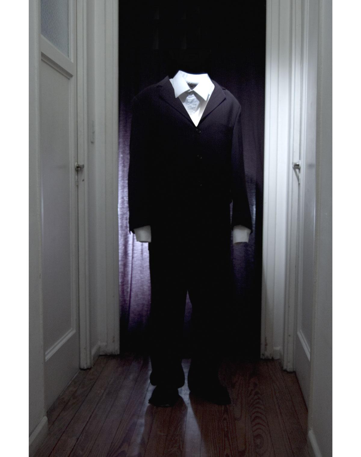 hombre en traje follando