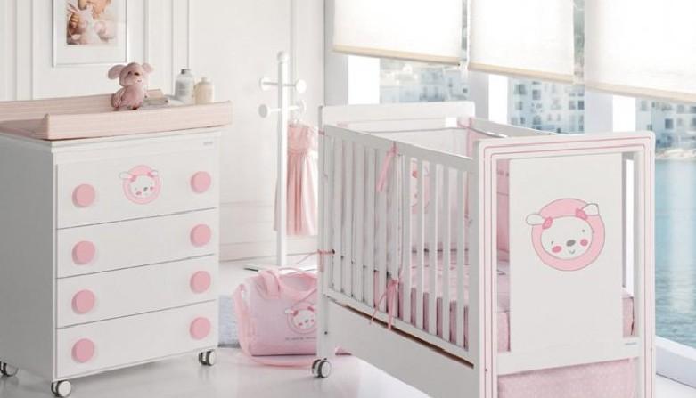 Fotos muebles cunas coloridas para bebes dormitorios for Muebles bebe diseno