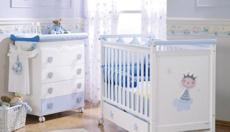 Fotos muebles cunas coloridas para bebes dormitorios for Decoracion habitacion de bebe varon