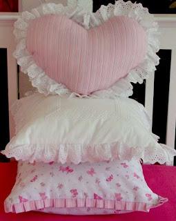 Almohadones infantiles ideas para decorar dormitorio infantil decoractual dise o y decoraci n - Modelos de cojines decorativos ...