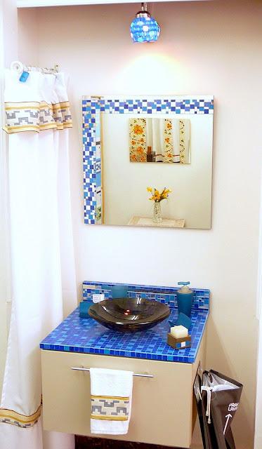 Baño Azul Decoracion:BAÑOS CON DECO-MOSAIQUISMO EN AZUL / FOTO – Decoractual – Diseño y