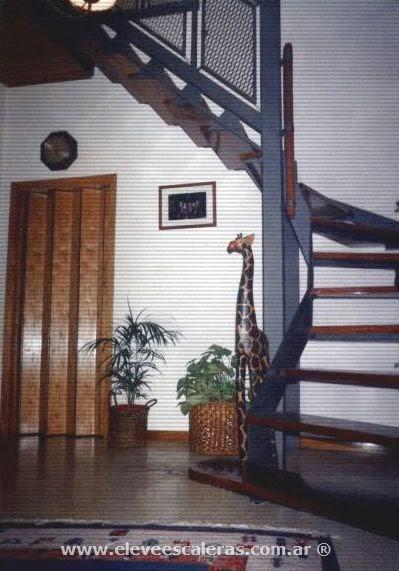 Modelos de escaleras de maderas compensadas con descansos for Modelos de escaleras exteriores