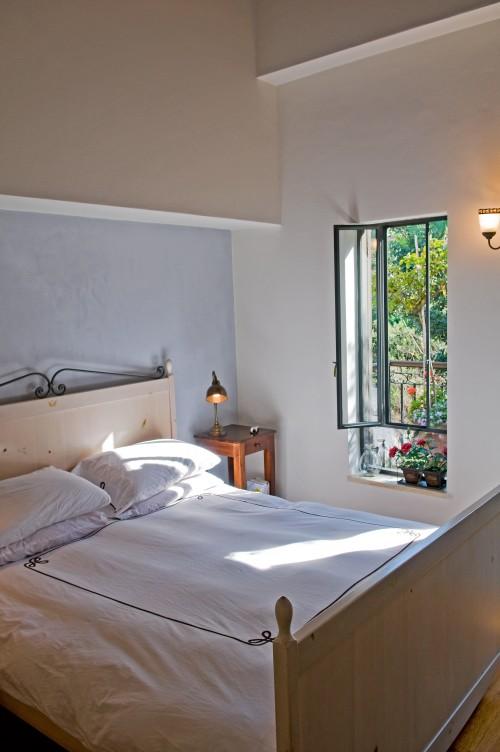 Dormitorios matrimoniales estilo mediterr neo fotos - Aprovechar espacios pequenos dormitorios ...