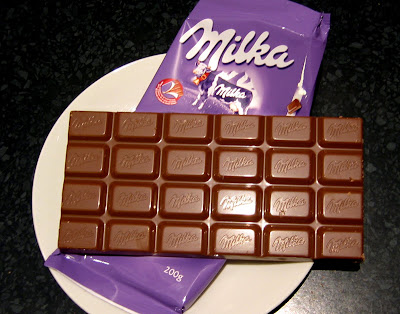 18 Popular Candy Bars From Around The World Now That S Nifty