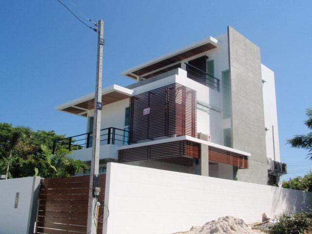 PAVIL HOUSE