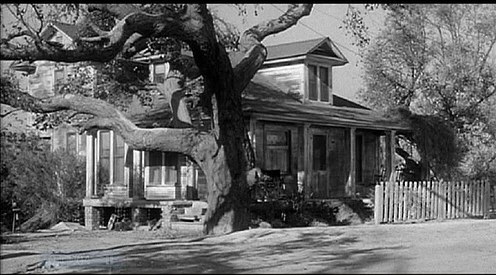 the setting in to kill a mockingbird