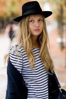 the_perfect_hat@marielscastle.blogspot.com