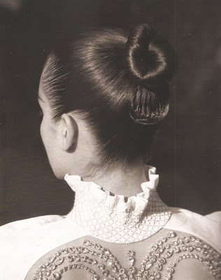 hair_ballerina_knot_The_Gentlewoman@http://marielscastle.blogspot.com