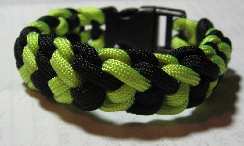 knives and lanyards snake belly bracelet