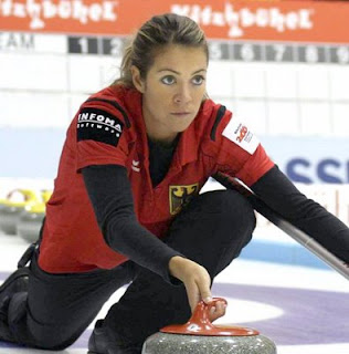 Melanie Robillard, the reason to watch curling