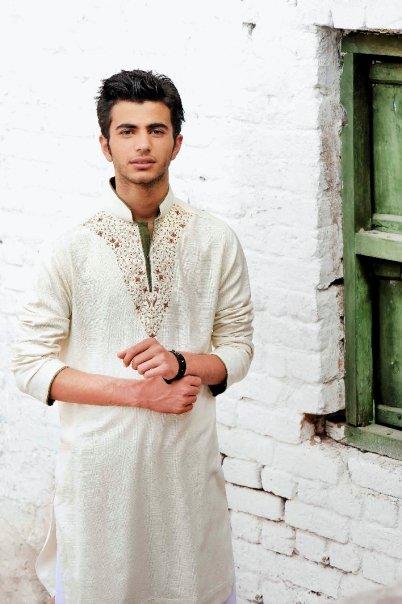 5031 115679310451 603070451 2912779 5781849 n - Munib Nawaz's Kurta Collection for Men