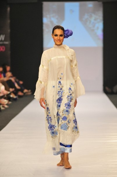 12834 169049352100 515807100 3298351 3438874 n - SANAM CHAUDHRY collection