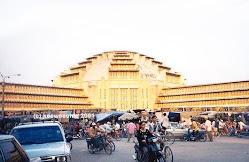 Central Market (Psah Thom Thmei)
