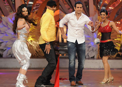Harbhajan Singh and Irfan Pathan in a dance show