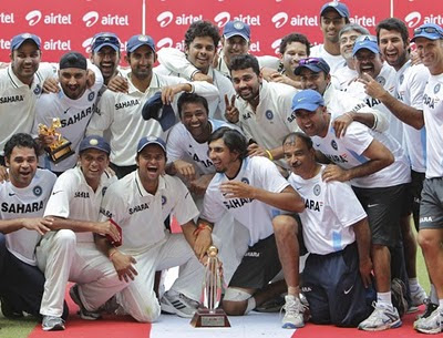 Photos Indian Cricket team with trophy