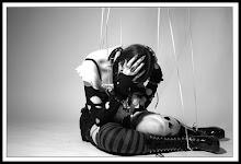 Carcomidas marionetas danzarán hasta morir...