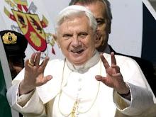 """En su primera misa del año, el Papa llamó a """"deponer las armas de todo tipo"""""""