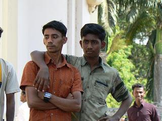 Maneira de os Homens Indianos se cumprimentarem