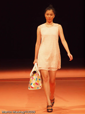 yako reyes bag philippine fashion week spring summer 2010 baggets