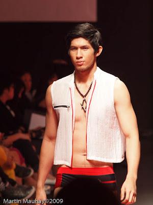 dave ocampo Philippine Fashion Week Spring Summer 2010 Luxewear