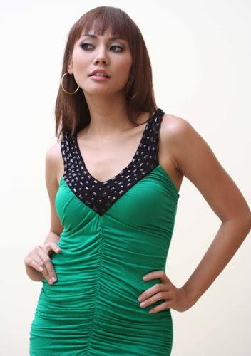 Foto Artis Seksi Cantik Anita Hara - Celebrity Fashion Style Pic