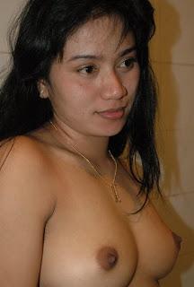 artis indonesia telanjang 1