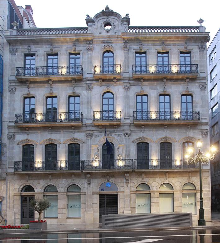 Visita guiada por la arquitectura ecl ctica del ensanche for Arquitectura eclectica
