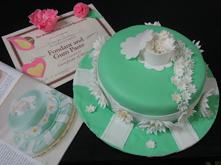 Fondant Cake Decorating Classes Michaels : Kavya s Kitchen: Final Fondant and Gum Paste Cake