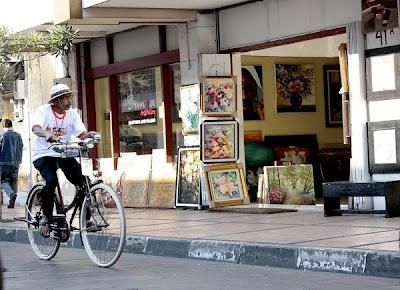 Pemberlakuan Car Free Night di Jalan Braga Kota Bandung