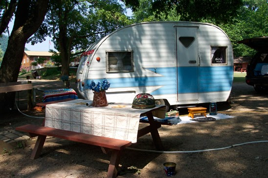 mobile scout madness vintage campers travel trailers and those who love them mobile scouts. Black Bedroom Furniture Sets. Home Design Ideas