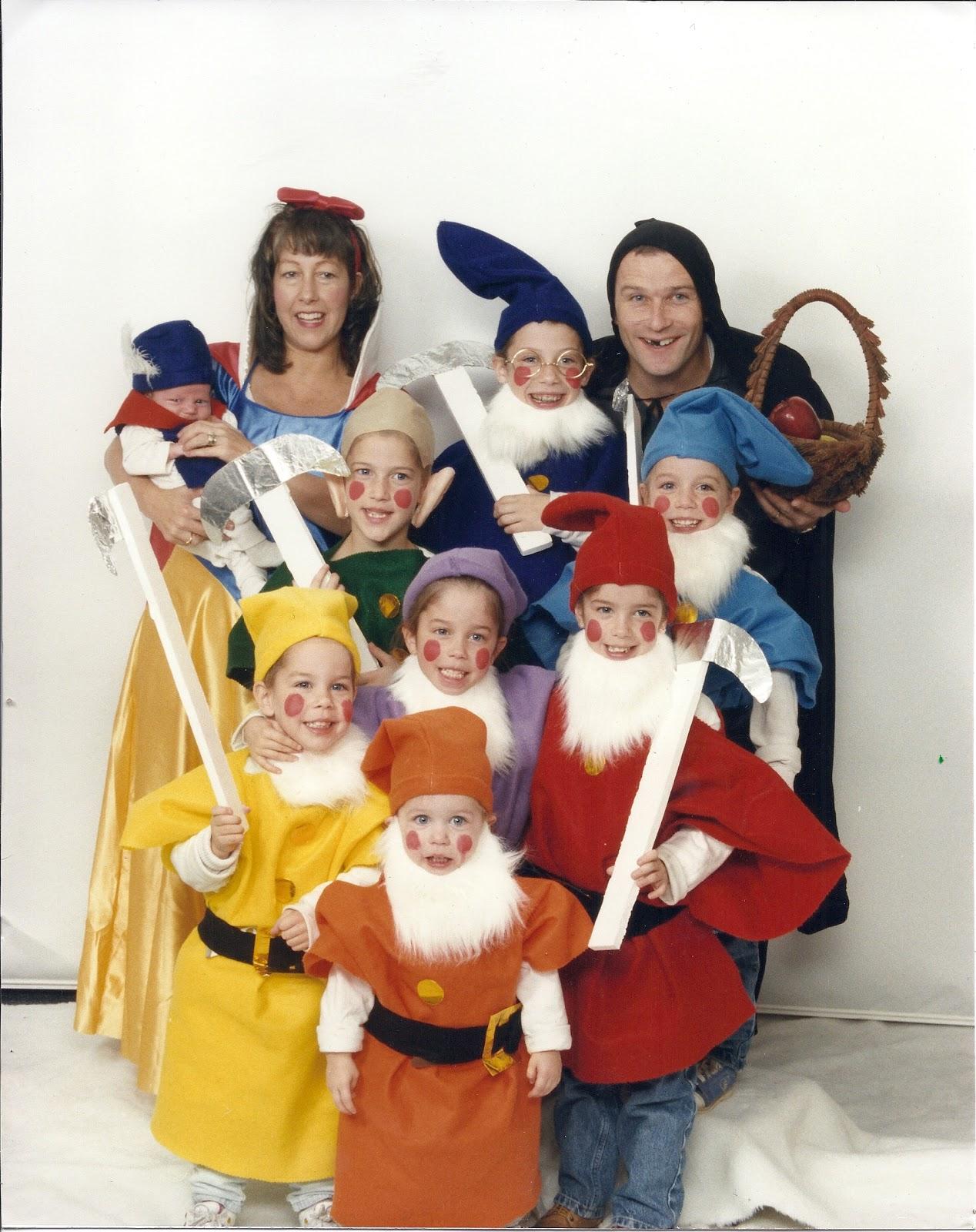 Amazing Halloween Costume #2   Snow White And The U0026 Dwarfs