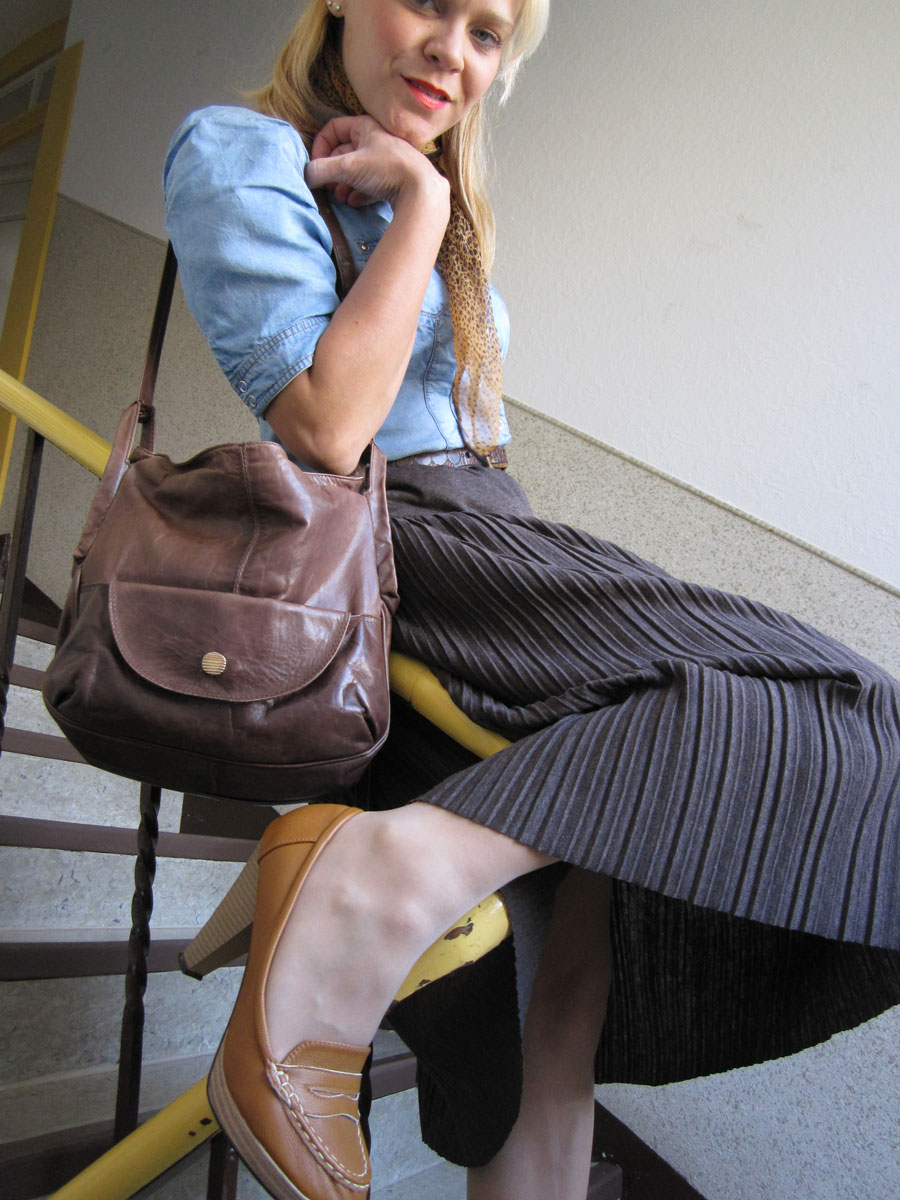 Granny blouse and skirt