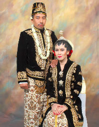 Pesona Pakaian Adat: Pakaian Adat Pngantin Yogyakarta