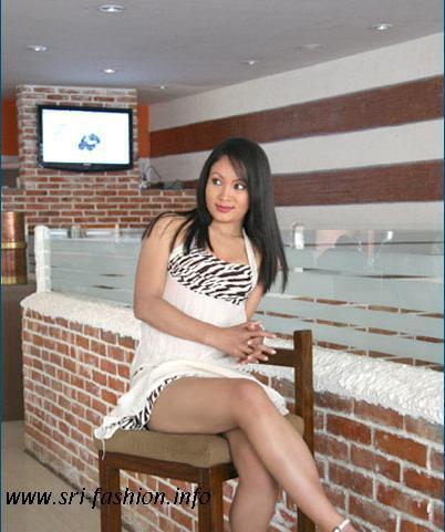 http://3.bp.blogspot.com/_XjJ92Zgtt4Y/SwrI3Azm3WI/AAAAAAAAX3s/1weVHGuatK0/s1600/pramila_8.JPG