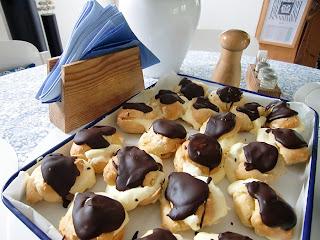 choux pastry (onemorehandbag)