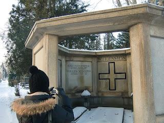 Zentralfriedhof (onemorehandbag)