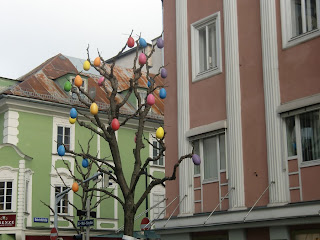 egg tree (onemorehandbag)