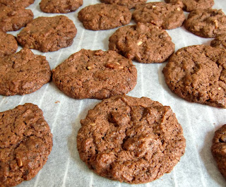 chocolate pecan cookies (onemorehandbag)
