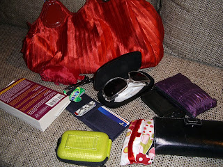 and what's in MY bag (onemorehandbag)
