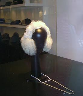 interesting headgear (onemorehandbag)