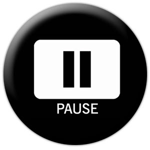 pause (onemorehandbag)