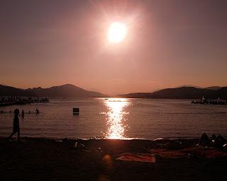 sunset at the lake (onemorehandbag)